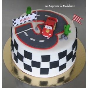 gâteau Cars et le circuit de voitures