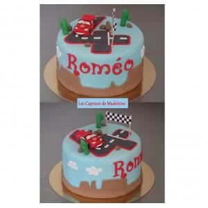le gâteau Cars Flash Mc Queen et paysage
