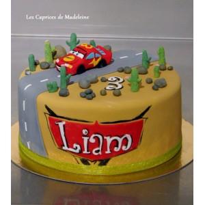 le gâteau Cars Flash Mc Queen et désert