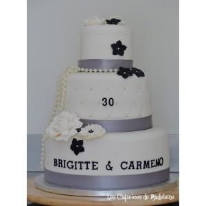 wedding cake fleurs et perles