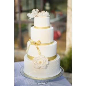Wedding cake chic blanc et or